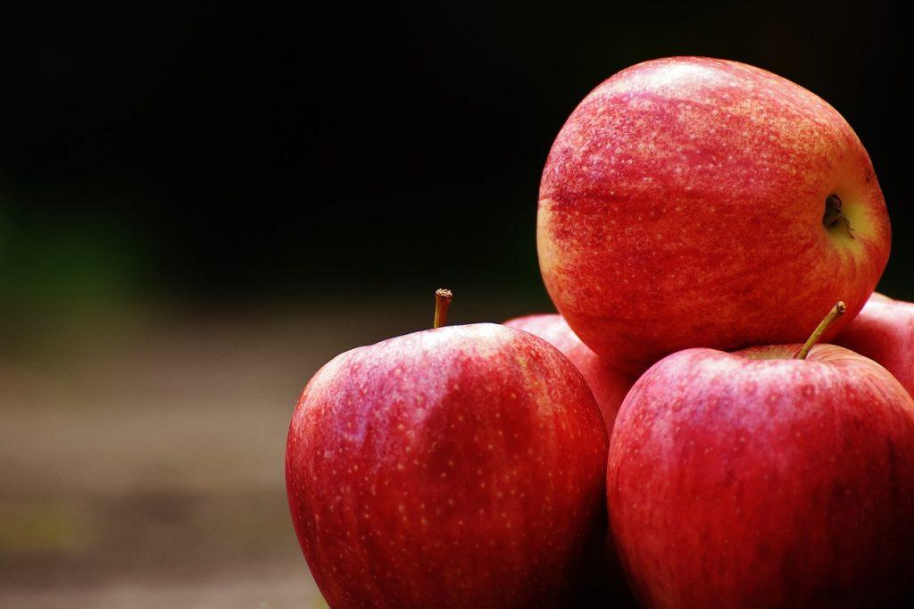 りんご 握りつぶす